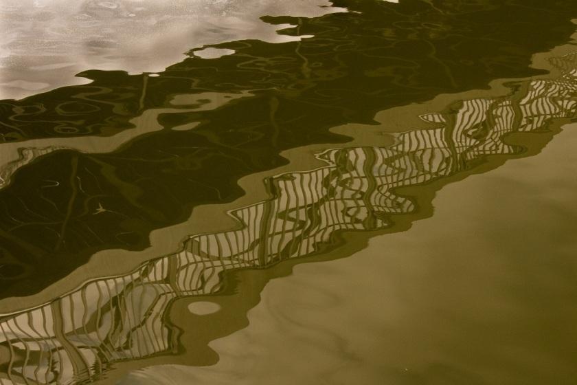 harbor_reflection